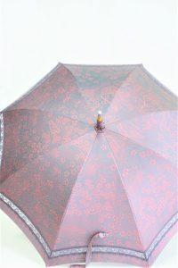 きもの日傘 梅柄の着物 正面から見た