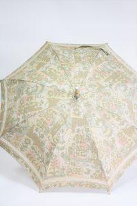 きもの日傘 大島紬ベージュ色着物 お仕立てあがり正面から見た